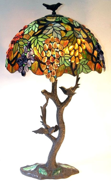 leaves with grapes table lamp with bird carved stem. Black Bedroom Furniture Sets. Home Design Ideas